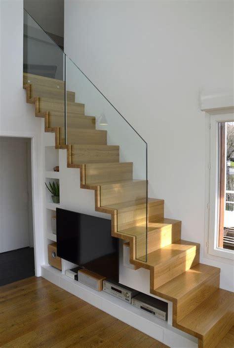 escalier design linea avec marches et contremarches bois