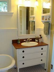 Diy bathroom vanity tips to organize stuff more neatly for Making a bathroom cabinet