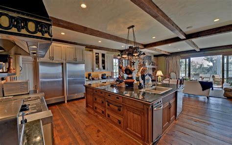 kitchen islands atlanta st simons island luxury homes traditional