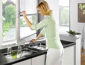 Vor Fenster Armatur : fensterarmaturen f r die sp le mit aussicht blanco ~ Markanthonyermac.com Haus und Dekorationen