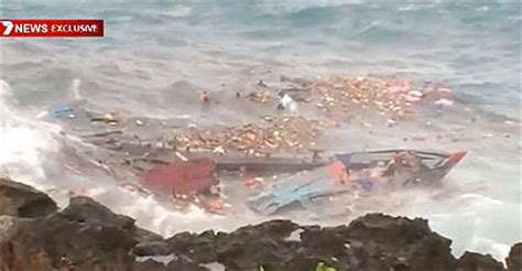 Refugee Boat Crash Christmas Island by There S A Tragedy Unfolding Here Asylum Seeker Boat