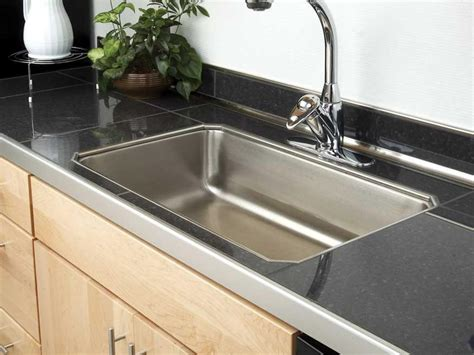choosing the right kitchen countertops hgtv tile kitchen countertop kitchen designs choose kitchen
