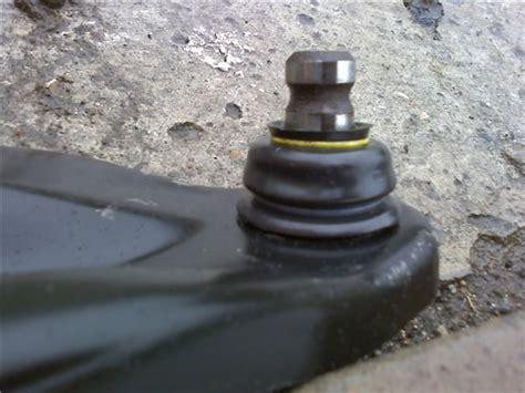 Как поменять шаровые на Renault Logan замена шаровой опоры