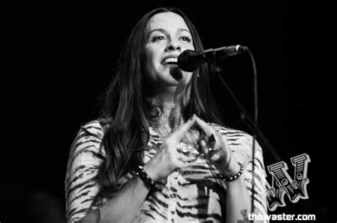 Alanis Morissette Shares New Song, 'Smiling' | TheWaster.com