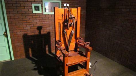 histoire de la chaise l histoire de la chaise 233 lectrique