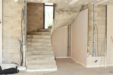 amenagement sous escalier tournant amenagement sous escalier tournant maison design bahbe