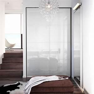 Begehbarer Kleiderschrank Türen : schlafzimmer u a mit pax kleiderschrank mit einrichtung in wei und f rvik t ren aus wei em ~ Sanjose-hotels-ca.com Haus und Dekorationen