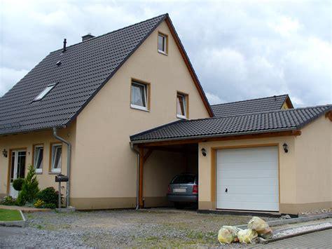 Häuser Mit Satteldach Und Garage by Garage Carport Kombination Carport Scherzer