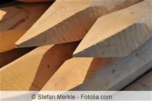 Betonfundament Für Pfosten : gartenzaun aus holz oder metall selber bauen anleitung ~ Whattoseeinmadrid.com Haus und Dekorationen