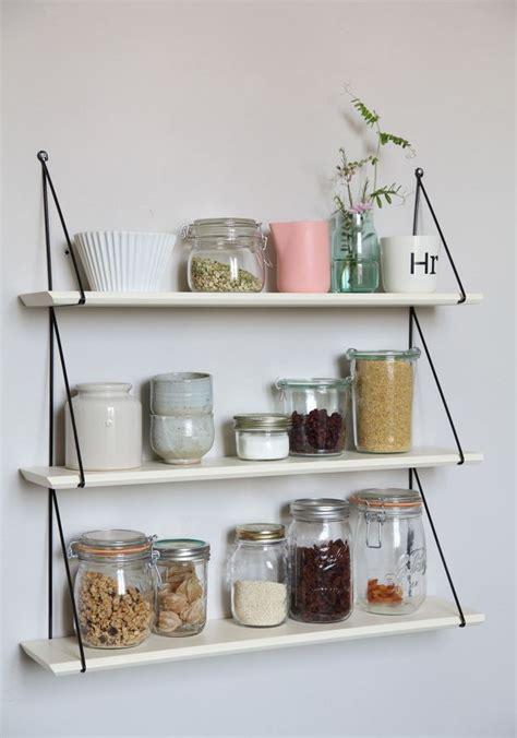 etagere rangement cuisine rangements muraux pour la cuisine étagère et égouttoir