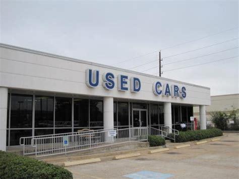 Helfman Ford  Houston  Southwest Freeway car dealership in