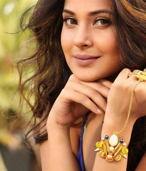tv actress jennifer age jennifer winget wiki biography image age wallpaper