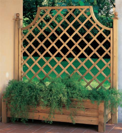 fioriere in legno con grigliato grigliati e fioriere fornite e assemblate da casanova