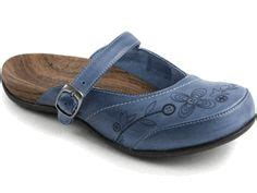 Boat Shoes With Arch Support by 1000 Images About Keeping It Casual Footwear On