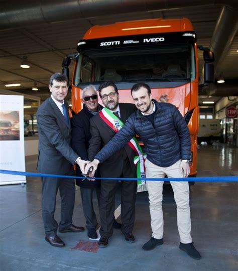 Imprese Edili Siena by Iveco Inaugurata La Nuova Concessionaria In Toscana
