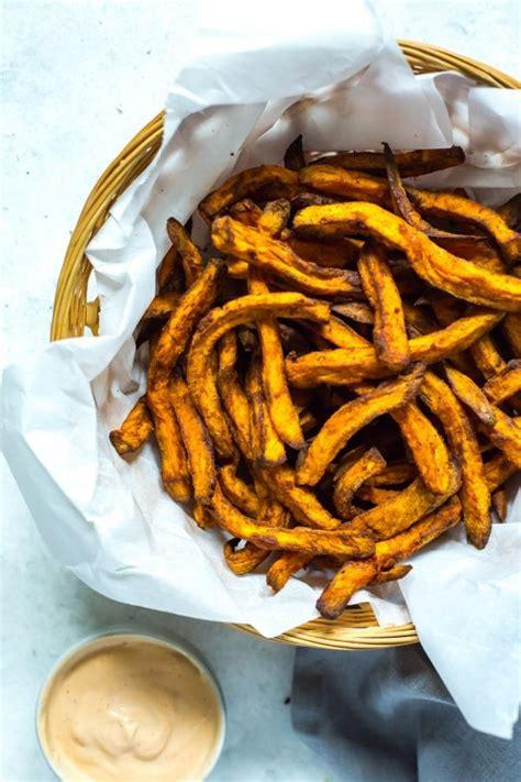 fries potato sweet airfryer healthy recipe homemade sauce thegirlonbloor