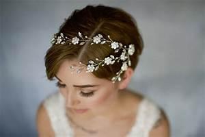 coiffure mariage cheveux court laissez vous inspirer With tapis chambre bébé avec couronne de fleurs cheveux mariage