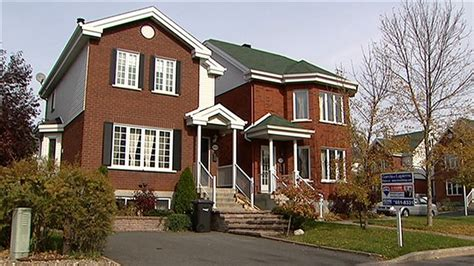 une maison se vend en moyenne 401 500 au canada ici radio canada ca