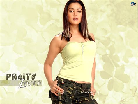 hot wallpaper of preity zinta in santa banta auto design