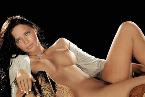 Adriana Lima Nude Pics Videos That You Must See In