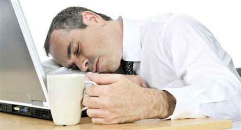 feel sleepy   time    hypersomnia heres