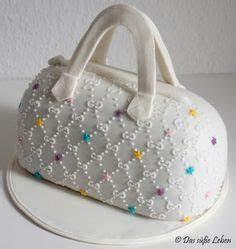 Chanel Torte Bestellen : ber ideen zu handtaschen kuchen auf pinterest handtaschen kuchen schuhkuchen und ~ Frokenaadalensverden.com Haus und Dekorationen