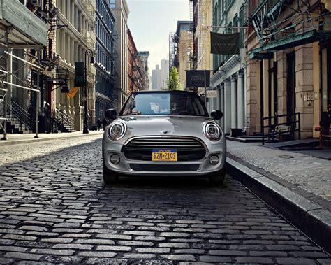 Mini Cooper 5 Door 4k Wallpapers by 2017 Mini Cooper In Streets 4k Hd Images Cars 4k Hd