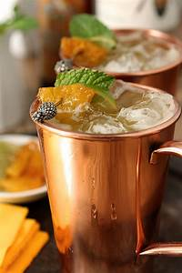 Moscow Mule Gin : brown sugar and roasted pineapple moscow mule vodka creative culinary drinkwire ~ Orissabook.com Haus und Dekorationen