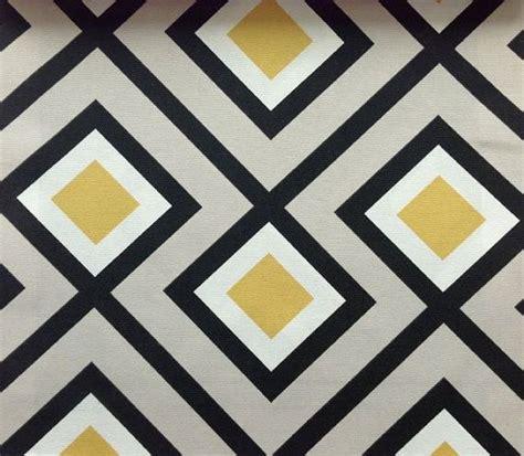 metre retro motif geometrique en beige avec des