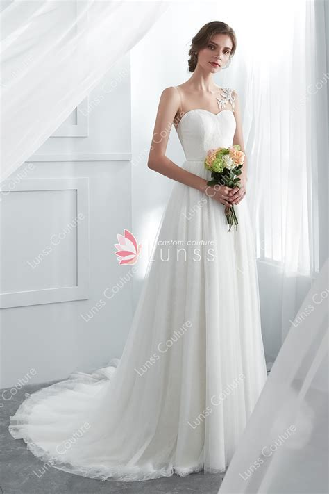Ivory Illusion Neck Lace Tulle Wedding Dress With Court