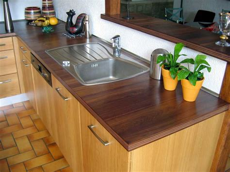 vernis plan de travail cuisine lamellé ou contrecollé le matériau bois pour les plans de