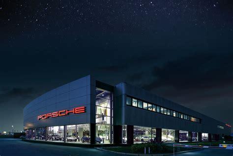 A Padova Un Progetto Di Luce Led Per Lo Showroom Porsche