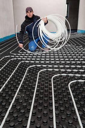 Heizkörper Oder Fußbodenheizung by Bauarten Heizungen 187 Www Selber Bauen De