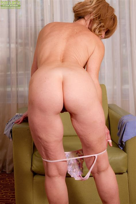 Bubbied Mature Lady Lana Wilder Getting Naked And Teasing