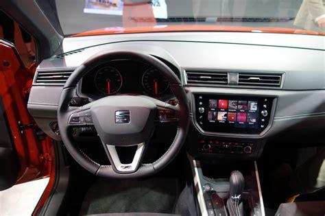 seat arona interieur seat arona avis et impressions sur le nouveau suv urbain de seat photo 9 l argus