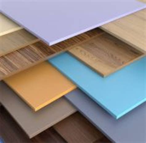 poser un faux plafond en pvc le lambris un habillage esth 233 tique pour le plafond pratique fr