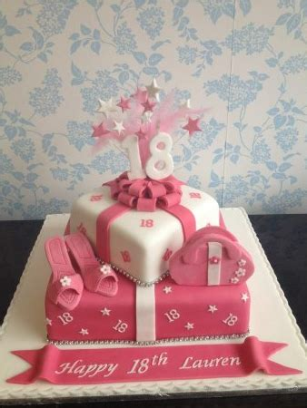 fondant torte 18 geburtstag torte rosa zum 18 motivtorten fondant torte geburtstag