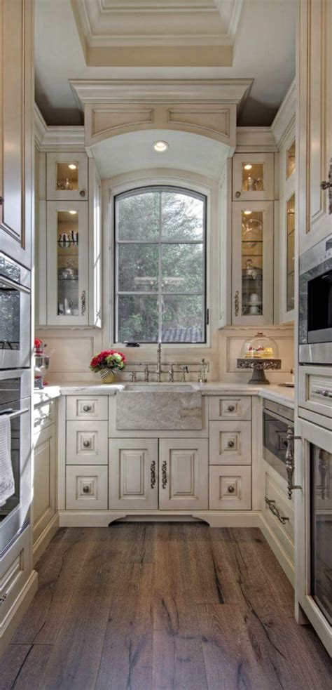 Browse photos of small kitchen designs. Tips to Maximize Galley Kitchen Space - AllstateLogHomes.com