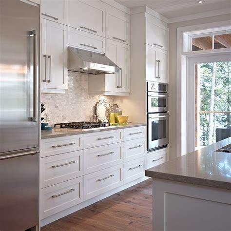 synonyme de cuisine les 25 meilleures idées de la catégorie armoire cuisine