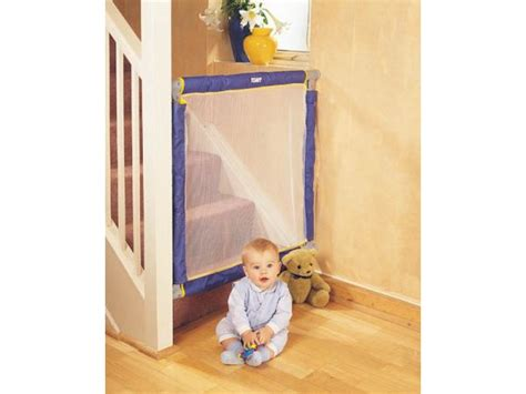 barriere de securite escalier extensible test barri 232 re de s 233 curit 233 les activit 233 s de maman