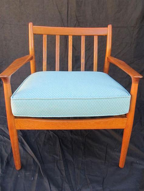 comment monter une chaise de bureau comment rénover une chaise vintage bricobistro