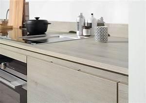 Echtholz Arbeitsplatte Küche : k chenfronten in pinie holzdekor und arbeitsplatte ton in ton ~ Michelbontemps.com Haus und Dekorationen