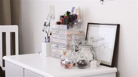 bureau maquillage boîte rangement maquillage idées à réaliser soi même