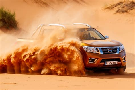 nissan navara   sahara extreme  roading
