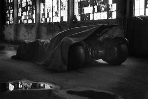 First Photo of Ben Affleck as Batman, New Batmobile for ...