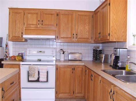 porte d 駘駑ent de cuisine dcaper un meuble vernis teinter un meuble en bois avec effet vieilli with dcaper un