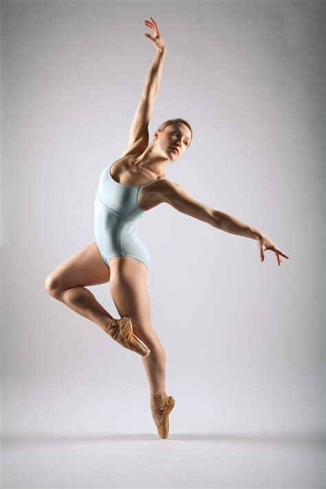 Dancer R By Dave Crook On Px Dancer Dance Photography Dance Movement