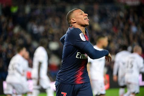 Kylian mbappé beautiful skills & goals 2021🔔 turn notifications on and you'll never miss a video again!📲 subscribe for more quality videos!music:1. PSG : Mbappé n'est pas une légende, Ludovic Obraniak dit ...