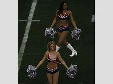 20 Of The Most Hilariously Shocking Cheerleader Wardrobe