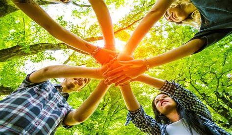 reasons  leaders choose team building activities